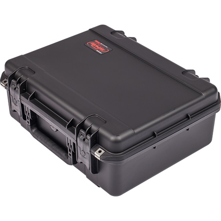 SKB Injection Molded Mil-Standard Watertight Equipment Case (Dividers)