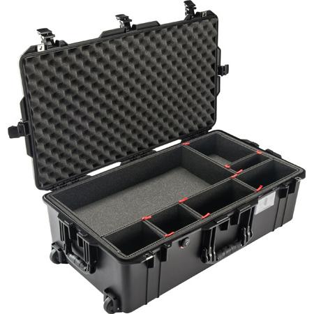 Pelican 1615TP Air Case with TrekPak Divider System - Black