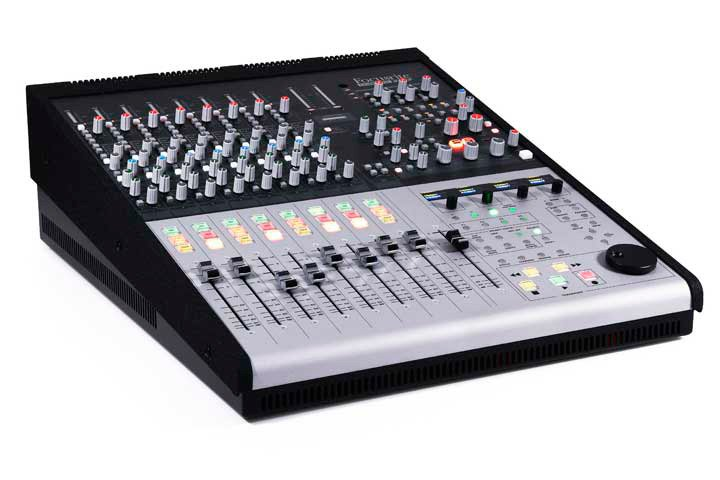 Focusrite control 2802 small format analogue mixing console w ethernet based daw - Table de mixage professionnel ...